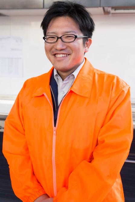 川田 賢興