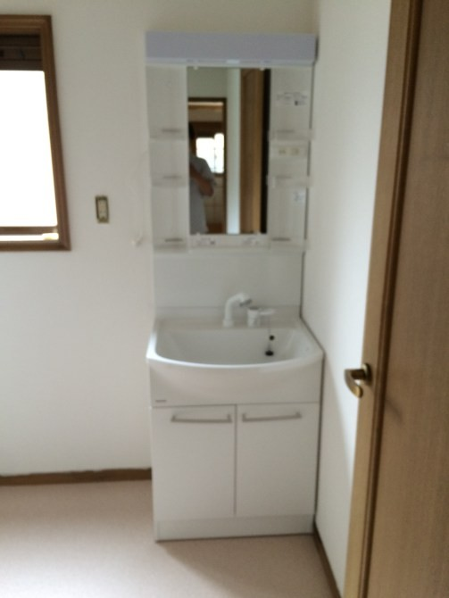 さいたま市賃貸アパート洗面台交換工事