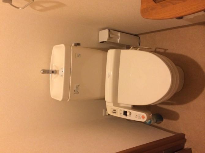 東京都池袋I様邸トイレのウォシュレット修理対応トクロス交換工事